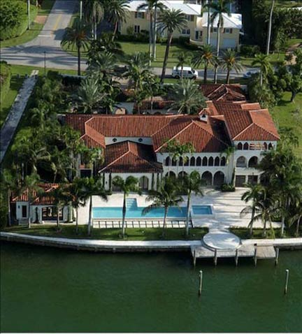 Miami Beach Mansion 20375 Is A 3 Story Waterfront Mediterranean Estate On The Gated And Secure La Gorce Island