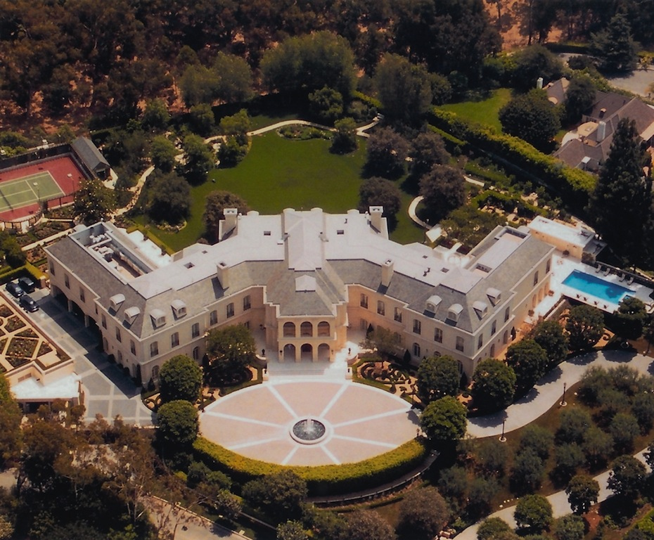The spelling manor sold pricey pads for Largest house plans in the world