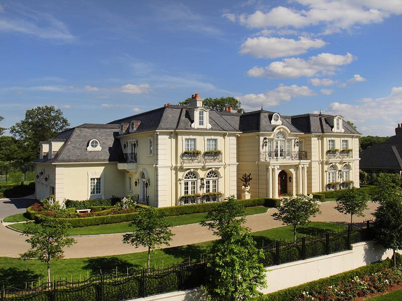 Magnificent french chateau 14 500 000 pricey pads for Chateau home designs