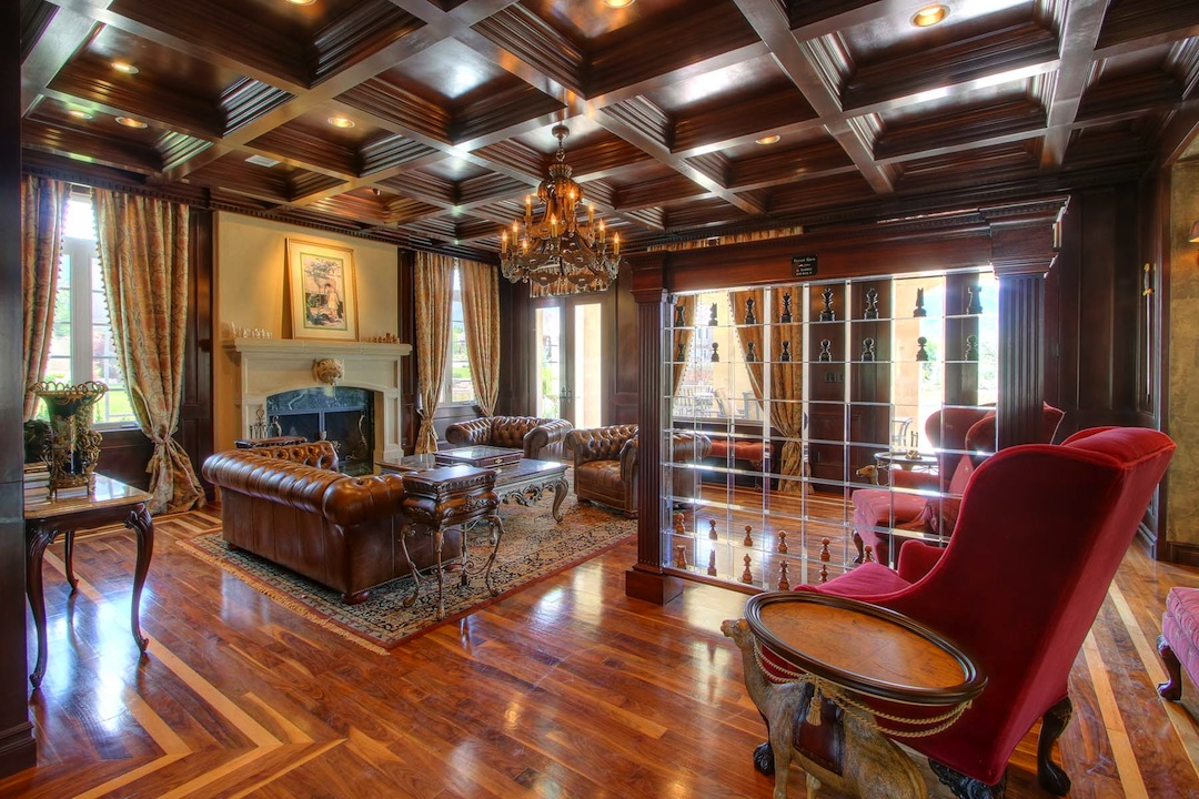 Doug Vaughan S Mansion To Be Auctioned 1 800 000