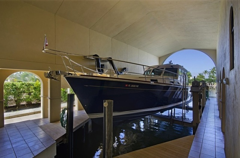 World class yachting estate 12 900 000 pricey pads for Boat garages