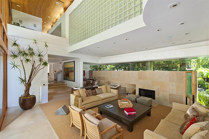 Rustic Canyon Home – $5,595,000