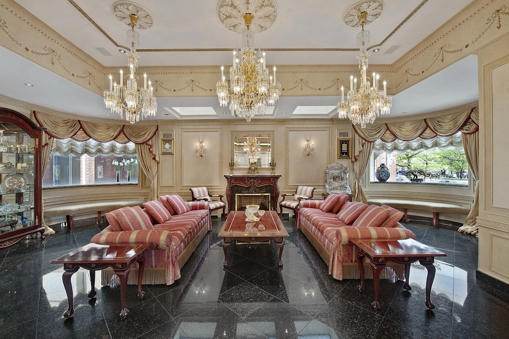 Palatial home on ocean parkway 10 750 000 pricey pads for World s most beautiful dining rooms