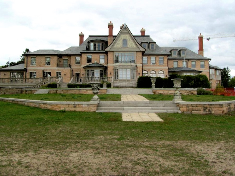19 Year Old Mansion To Be Torn Down Pricey Pads