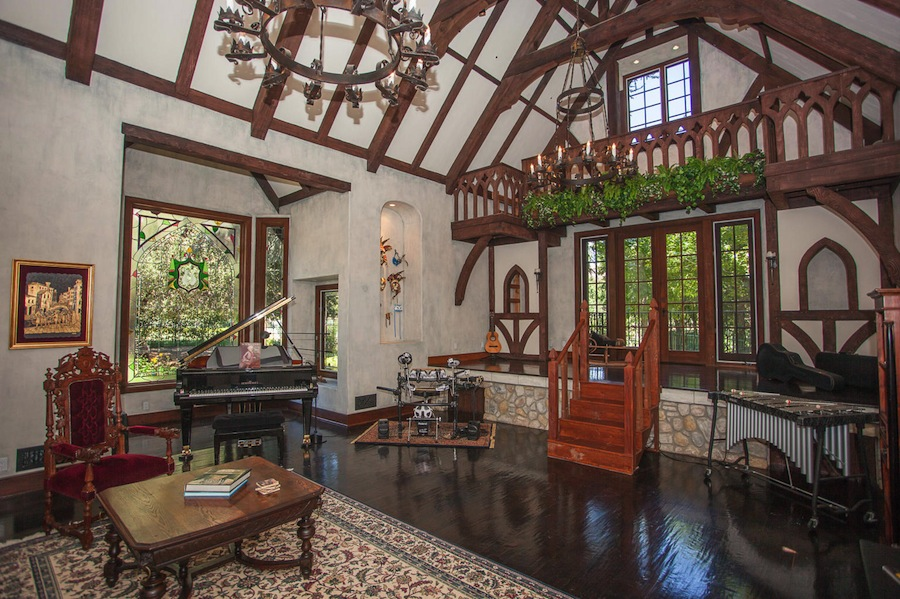 ae083aa11390401cd9c6_Island Forest Interiors-5 & Fairytale English Tudor \u2013 $4950000 | Pricey Pads