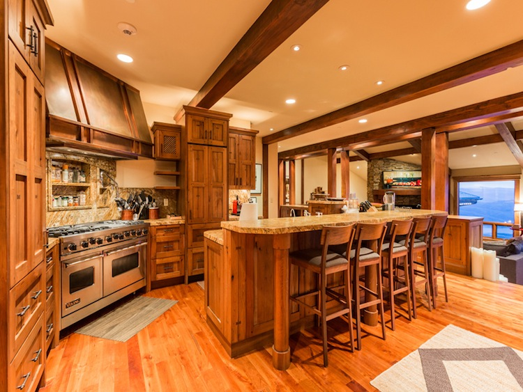 10448SummitView-Kitchen-05