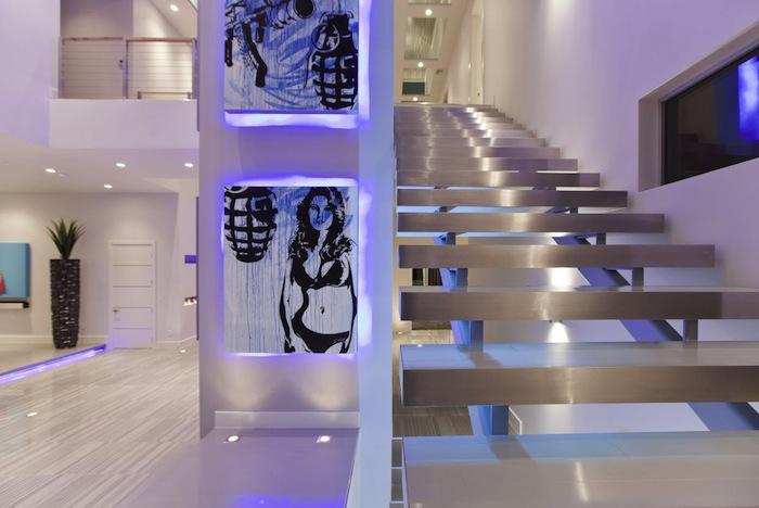 Hurtado-Residence-Las-Vegas-Art-Stairs