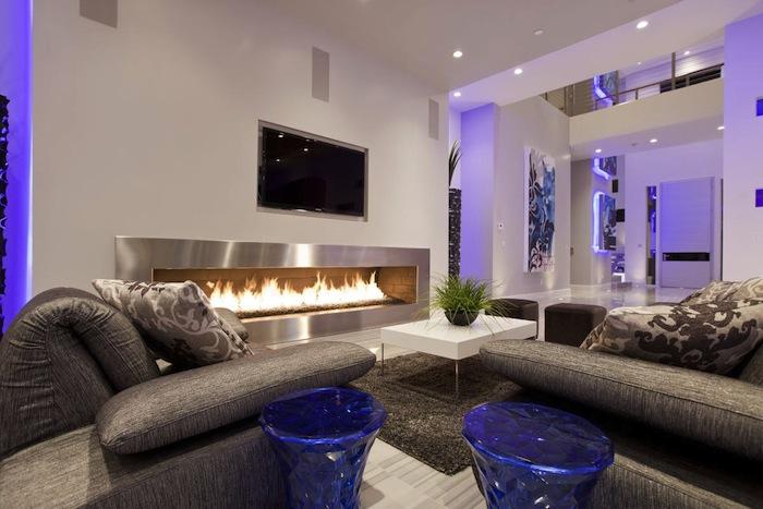Hurtado-Residence-Las-Vegas-Contemporary-Fireplace-Sofas