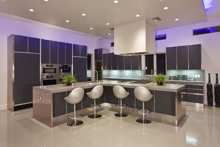 Hurtado-Residence-Las-Vegas-Modern-Kitchen-Breakfast-Bar
