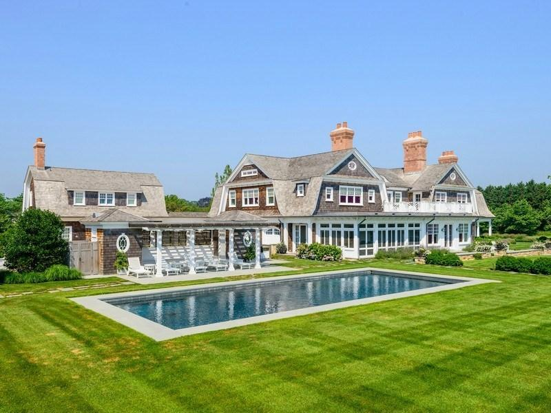 Image gallery houses east hampton ny for New big homes for sale