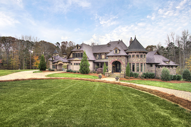 Exceptional french country estate 2 600 000 pricey pads for Luxury country homes