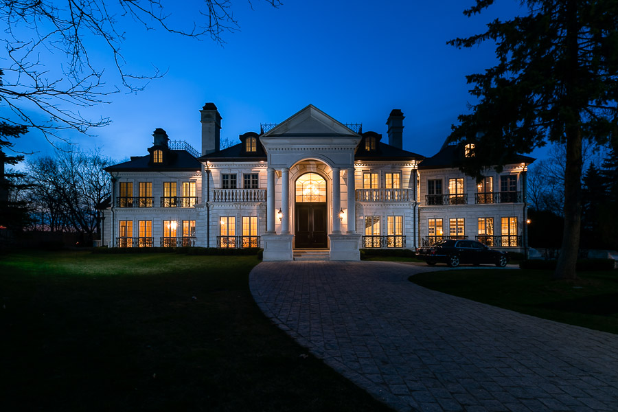 Saxony manor sells for 6 2 million pricey pads for Modern homes mississauga