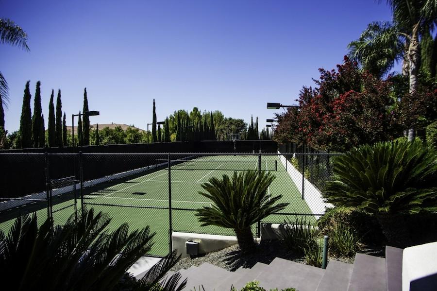 6-Tennis-Court-Frank-Haxton-1024x682