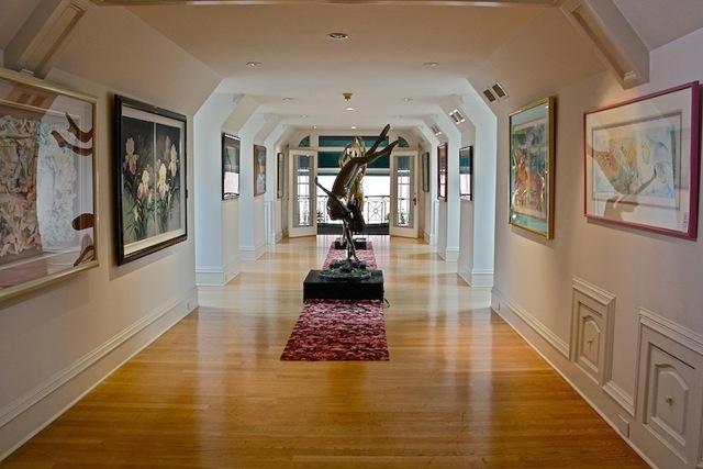 Hawaiian Art Gallery leading to Garage